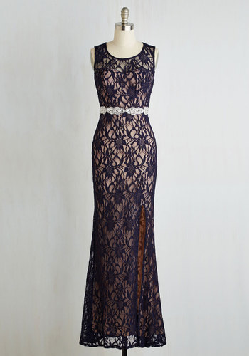 Praiseworthy Glamour Dress in Midnight