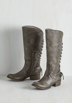 Stride My Best Boot in Pewter