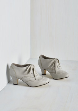 Dance It Up Heel in Dove