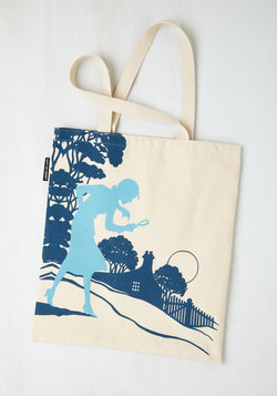 Bookshelf Bandit Tote in Nancy
