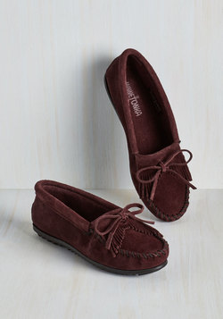 Fundamental Footwork Flat in Raisin