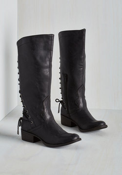 Stride My Best Boot in Black