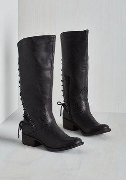 Stride My Best Boot in Black