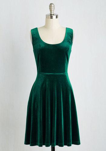 Zesty Festivities Dress in Emerald