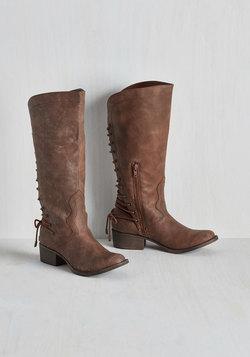 Stride My Best Boot in Chestnut