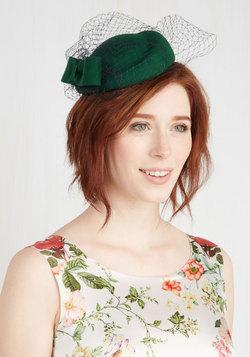Upper West Stride Fascinator in Emerald