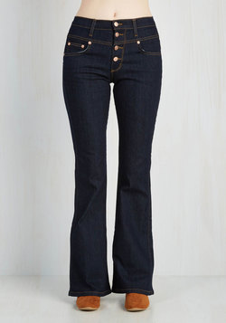 Karaoke Songstress Jeans in Dark Wash - Flared