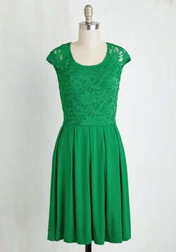 Bold to Behold Dress in Kelly Green