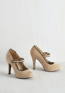 Balcony Believer Heel in Biscuit