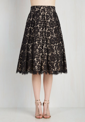 Left In a Spin Skirt in Black
