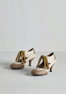 All Demure Reason Heel in Latte