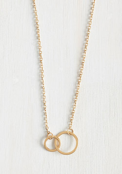 Gimme the Loop Necklace