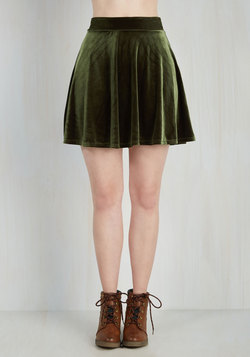 Eternal Echo Skirt in Peridot