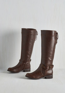 Steadfast Style Boot in Brown