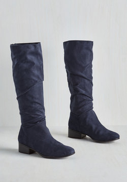 City Loving Boot in Navy