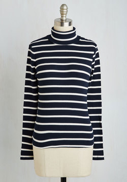 Minimal Thinking Top in Navy