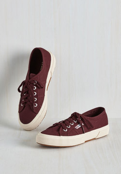 Active Kindness Sneaker in Burgundy