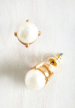 Gleam in Your Style Earrings in Pearl