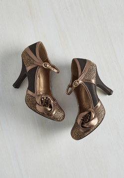 Convivial Companion Heel in Bronze