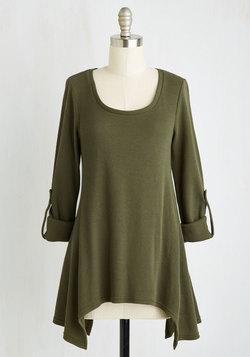 Everywhere for the Weekend Top in Basil