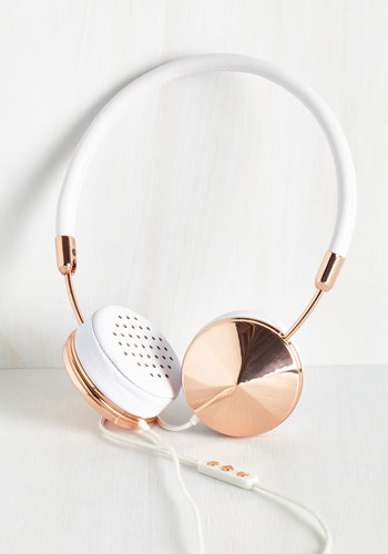 You Heard the Glam Headphones in Rose Gold