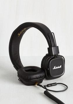 Attractive Listening Headphones in Black