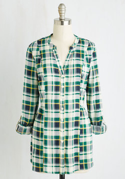 Trusty Travel Top in Green Plaid