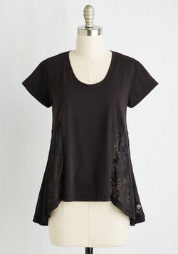 Zest and Relaxation Lounge Top in Black