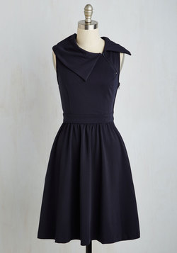Trolley Tour Dress in Navy