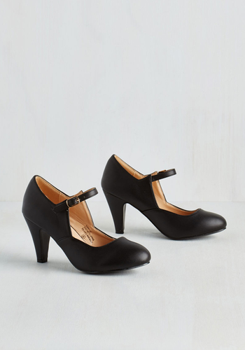 Versatile Chorus Bridge Heel in Black $39.99 AT vintagedancer.com