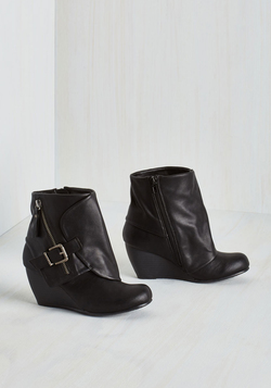 Follow the Fashionista Boot in Ink