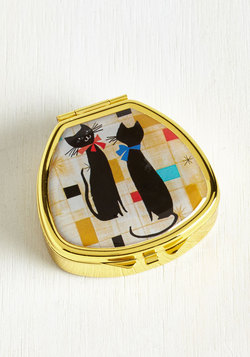 Kiss and Belle Lip Balm in Cat