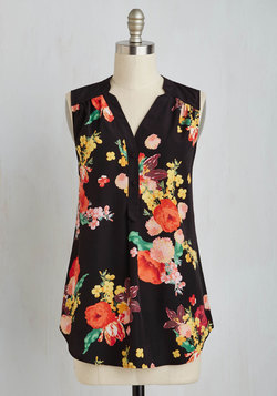 Girl About Easton Tunic in Bouquets