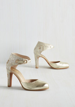 Hopeful Heel in Gold
