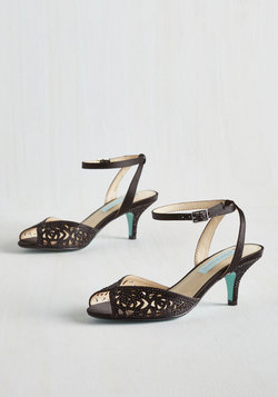 Glisten to Reason Heel in Onyx