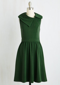 Trolley Tour Dress in Pine