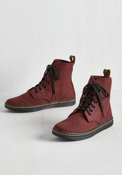 Street Team Spirit Sneaker in Burgundy