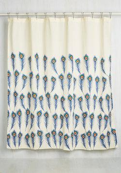 Calm de Plume Shower Curtain