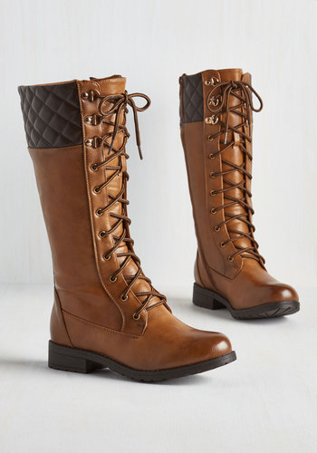 Quest Foot Forward Boots in Caramel