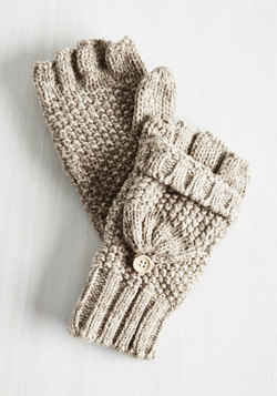Saturday at the Stables Convertible Gloves in Oatmeal