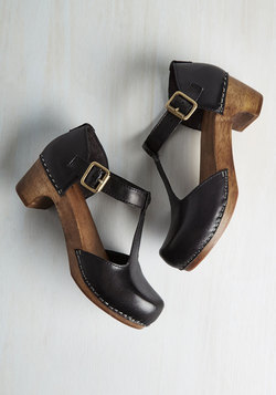 Traipsing Staple Heel