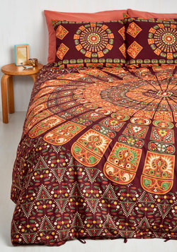Bohemian Bliss Duvet Cover Set in Burgundy - Full/Queen
