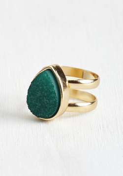 Dazzling Digit Ring