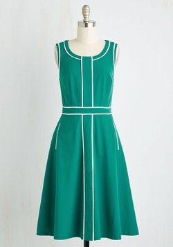Roving Reporter Dress in Jade