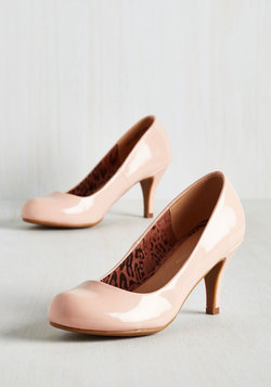 Gloss In Thought Heel in Blush