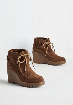 Gait-ed Community Bootie in Chestnut