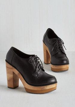 Helsinki Swank Heel in Black