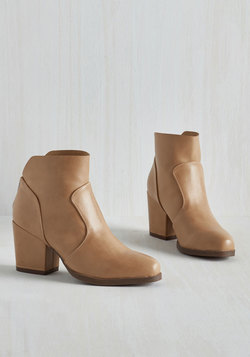 Sassy Sidekick Bootie in Ochre
