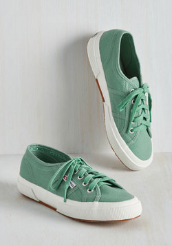Active Kindness Sneaker in Sage