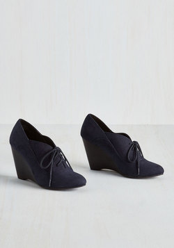 Be our Guest Lecturer Wedge in Navy